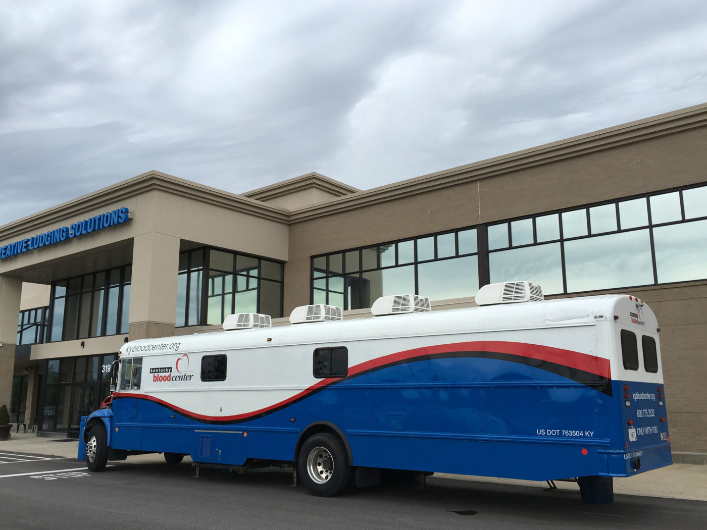 Mobile blood drives make it convenient for people to donate in Kentucky